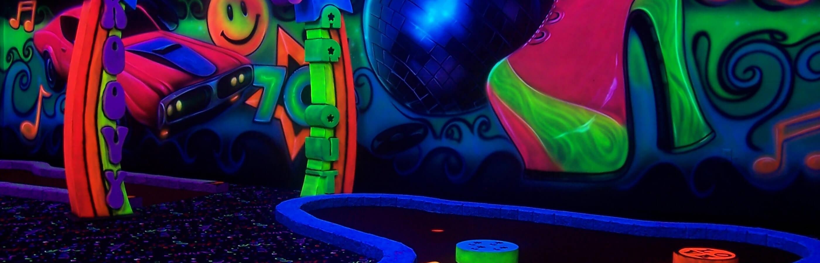 Black Light Mini Golf At Putz N Glo
