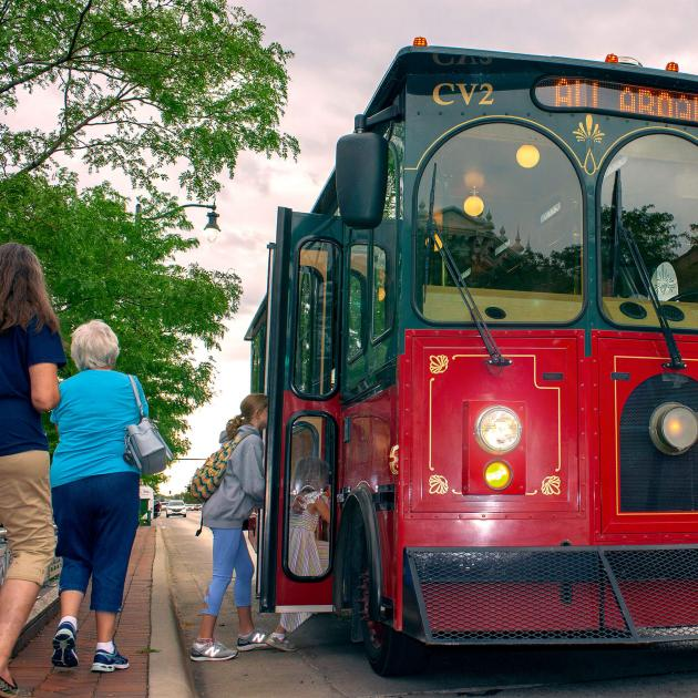 Rapid City's Trolley Tour With Passengers