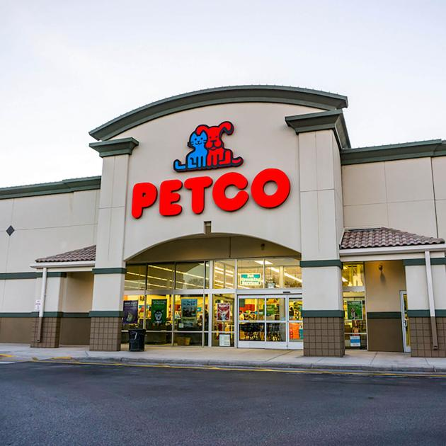 Exterior of Petco the Pet Store