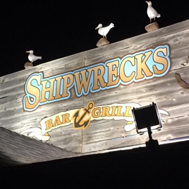 Shipwrecks Bar & Grill